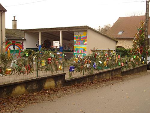 Décoration de Noël à l'école de Frébuans