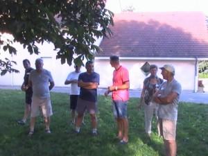 des participants à l'écoute du palmarès