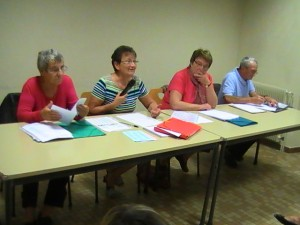 De gauche à droite: la Secrétaire, Françoise Sencébé, la Présidente Evelyne Jacquin,, la Trérière Marie-Claude Verguet, le Vérificateur des comptes Paul Heinis.